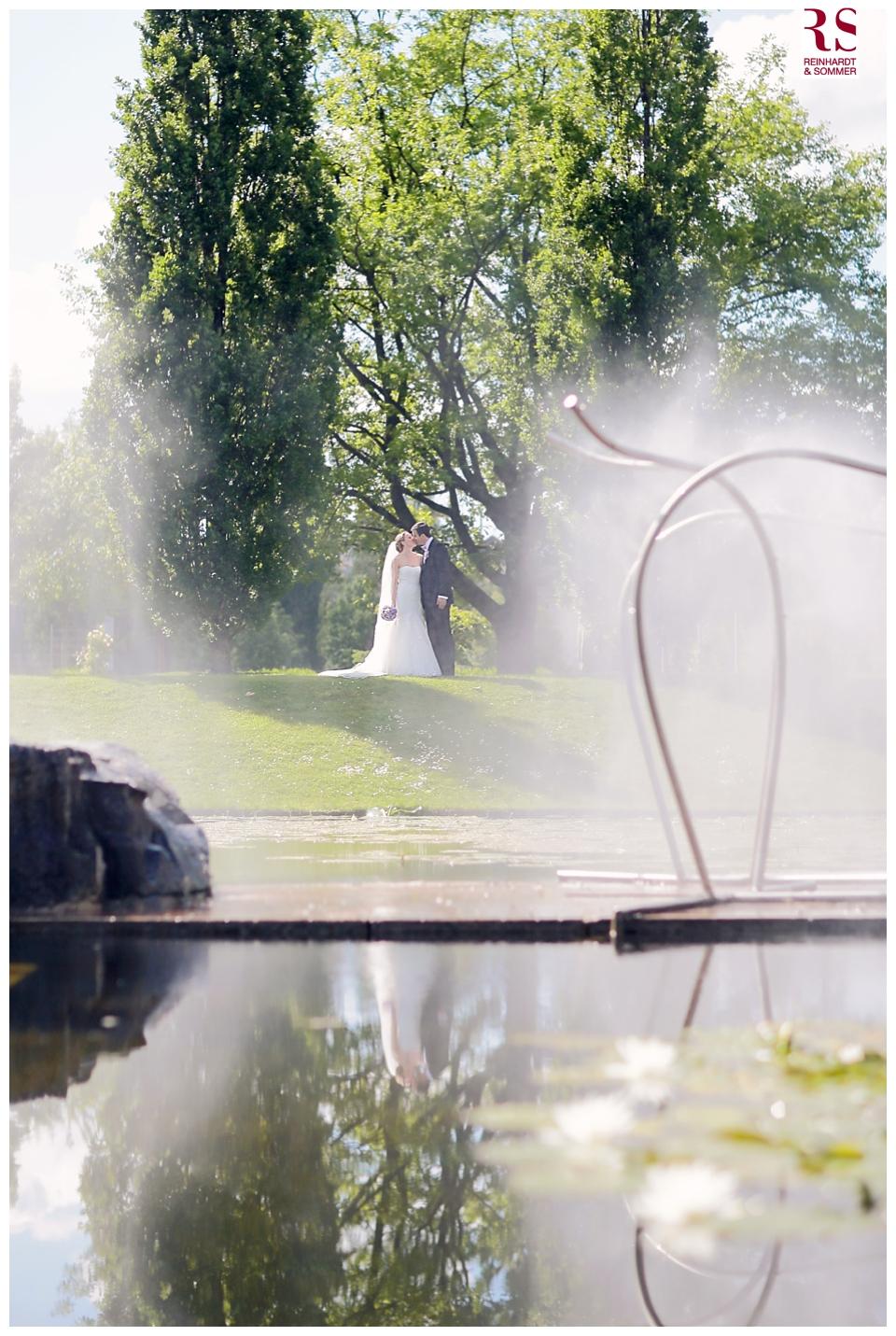 Hochzeitsfotos eines Hochzeitspaares im Lustgarten Potsdam