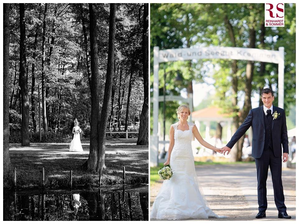 Brautpaar vor der Scheune an der Seelodge in Kremmen