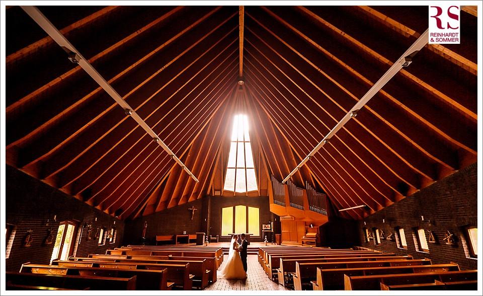 Hochzeitsfotos in der Kirche Bruder Klaus Berlin Britz