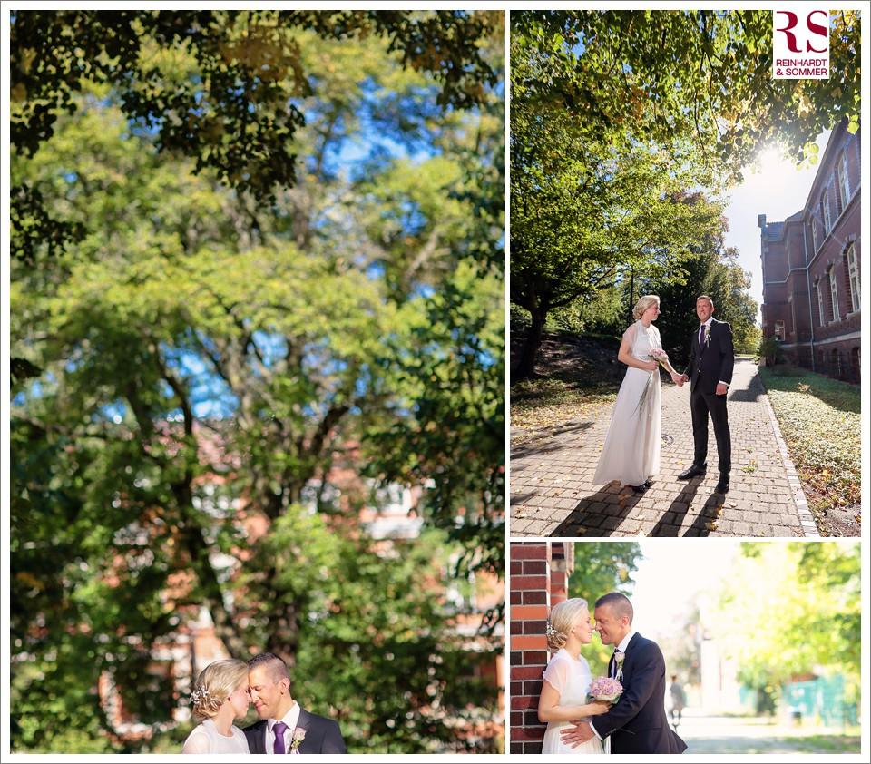 erste Brautpaarfotos nach der Trauung im Garten Standesamt in der Blaschkowallee