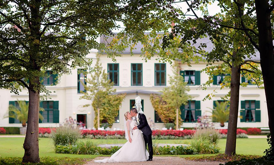 Hochzeit im Ochsenstall Britzer Garten in Berlin