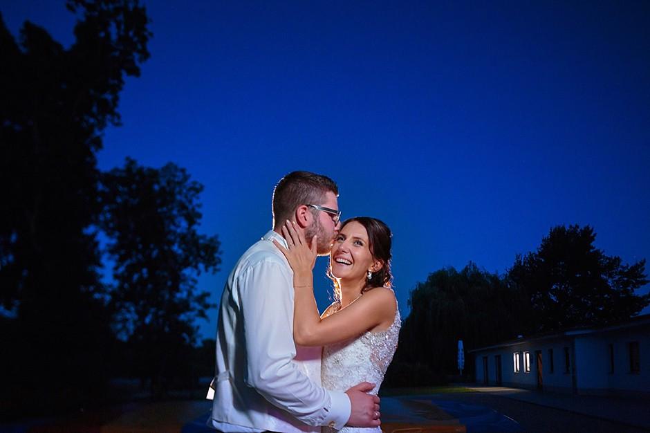 Brautpaarfoto zur Blauen Stunde