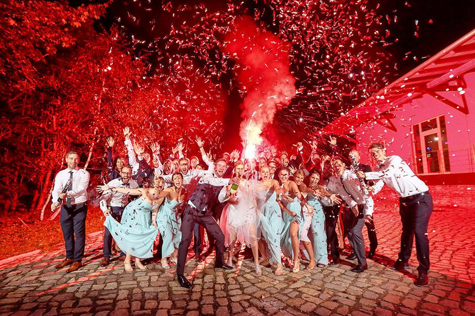 Sektfoto während der Hochzeitsparty