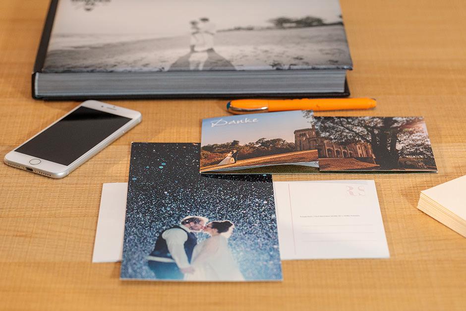 Danksagungskarte als Riesenpostkarte für wunderschöne Hochzeitsfotos Hochzeitsfotografen für Potsdam und Brandenburg