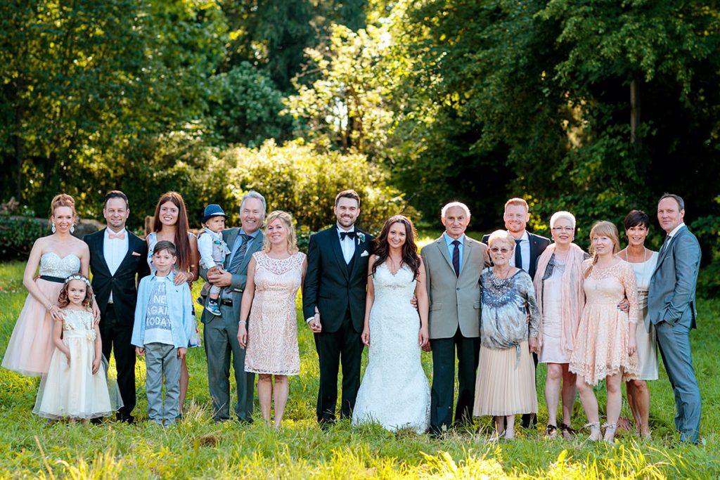 Familienfotos bei einer Hochzeit in Caputh