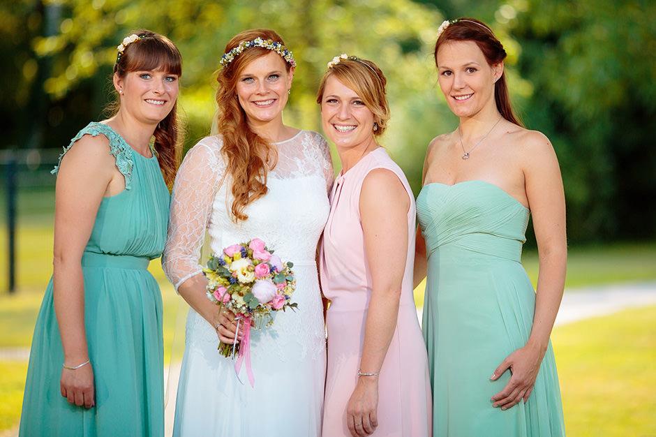 Foto mit den Brautjungfern