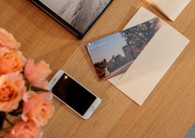 Passende Briefumschläge für die Danksagungskarte mit wunderschönen Hochzeitsfotos von Reinhardt und Sommer, Hochzeitsfotografen für Potsdam und Brandenburg
