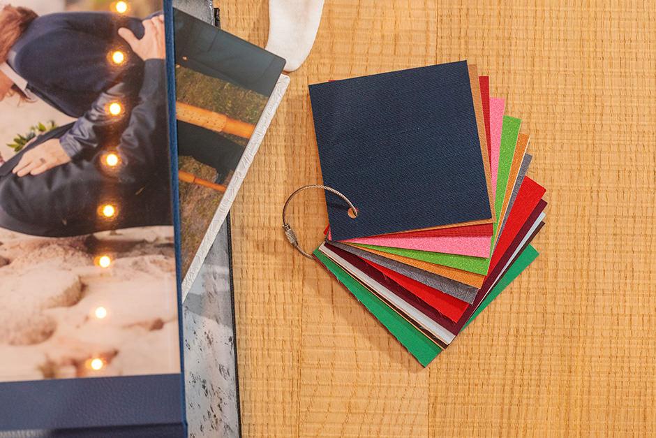 Verschiedene Einbandmaterialien für das Hochzeitsfotoalbum