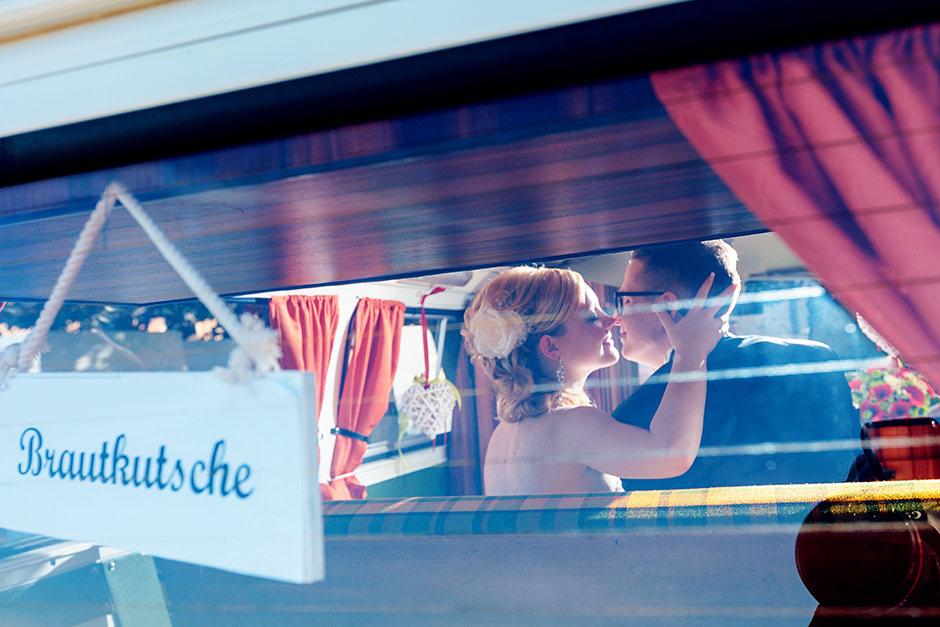 Hochzeitsfotos im VW Bulli