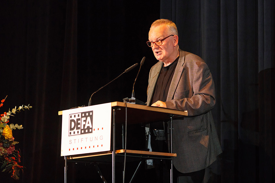 Portrait eines Sprechers auf der Bühne