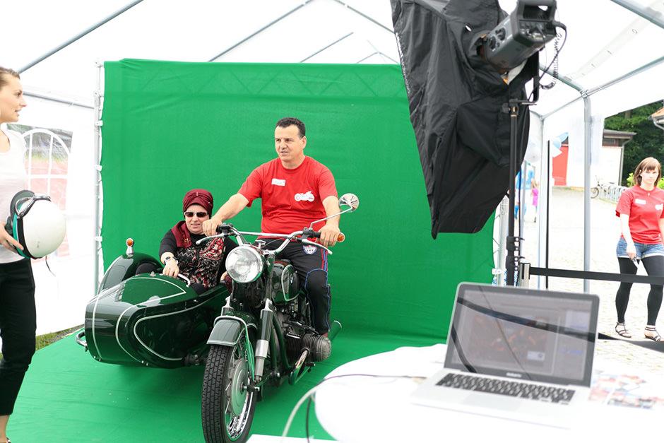 Greenscreen Fotobox in Berlin mit Motorrad