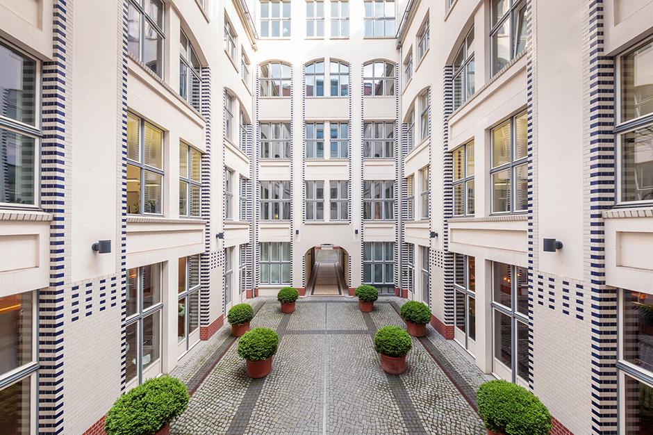 Hochstativaufnahme Innenhof in Berlin