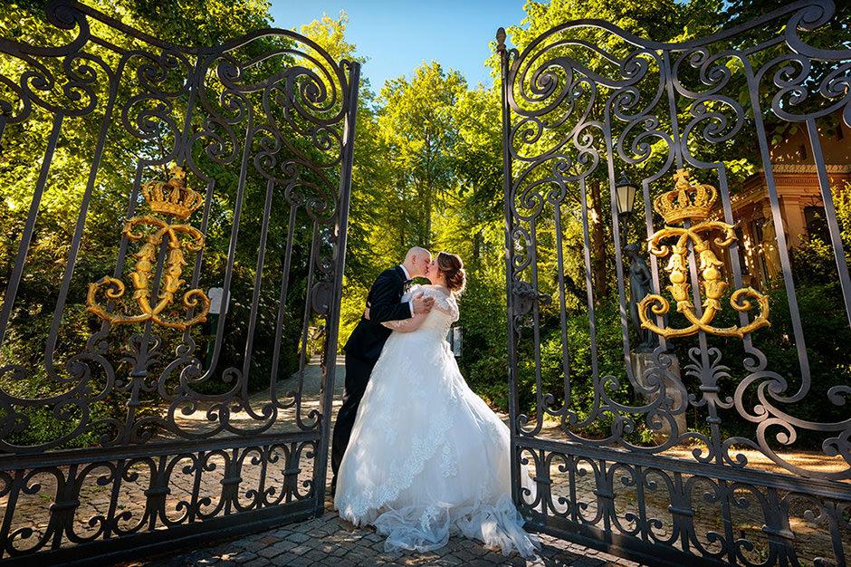 Brautpaarbild im Park von Schloss Glienicke, Berlin