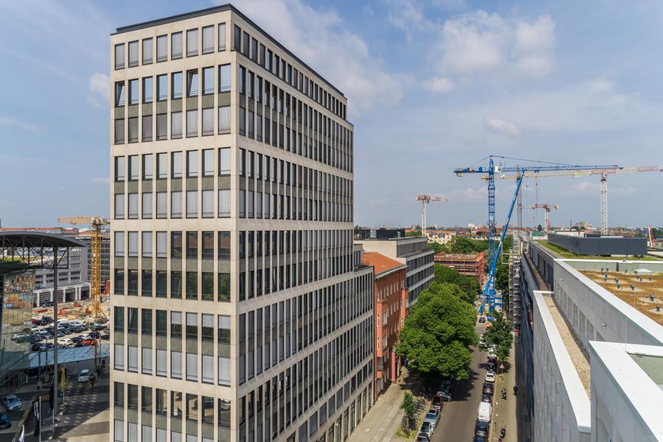 Immobilienfoto mit Drohne von Haus in Berlin