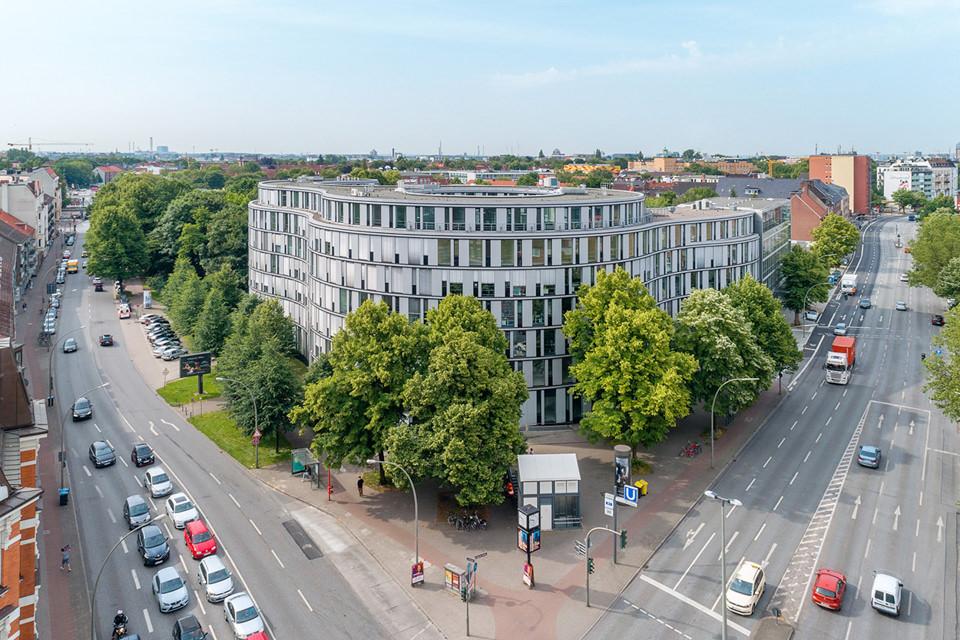 Immobilienfotograf in Hamburg mit Drohne