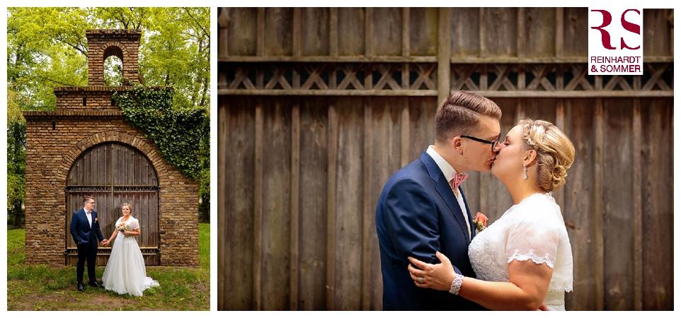 Die ersten Brautpaarfotos nach der Trauung