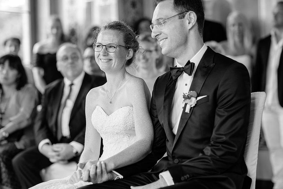 Glückliches Hochzeitspaar im Maurischen Kabinett auf dem Belvedere Potsdam