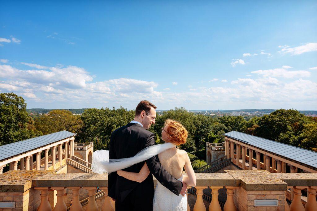Hochzeitspaar heiratet auf dem Pfingstberg in Potsdam