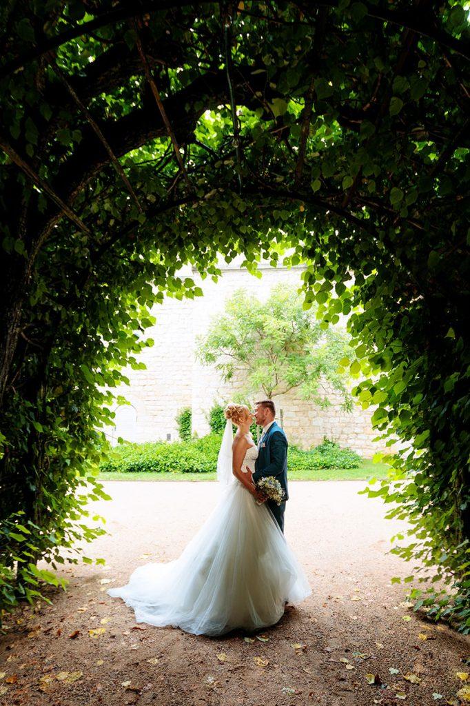 Auch im anliegenden Park lassen sich tolle Hochzeitsbilder schießen