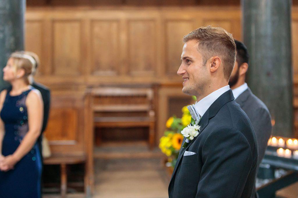 Einzug der Braut in die Friedenskirche Potsdam und der Blick des Bräutigams