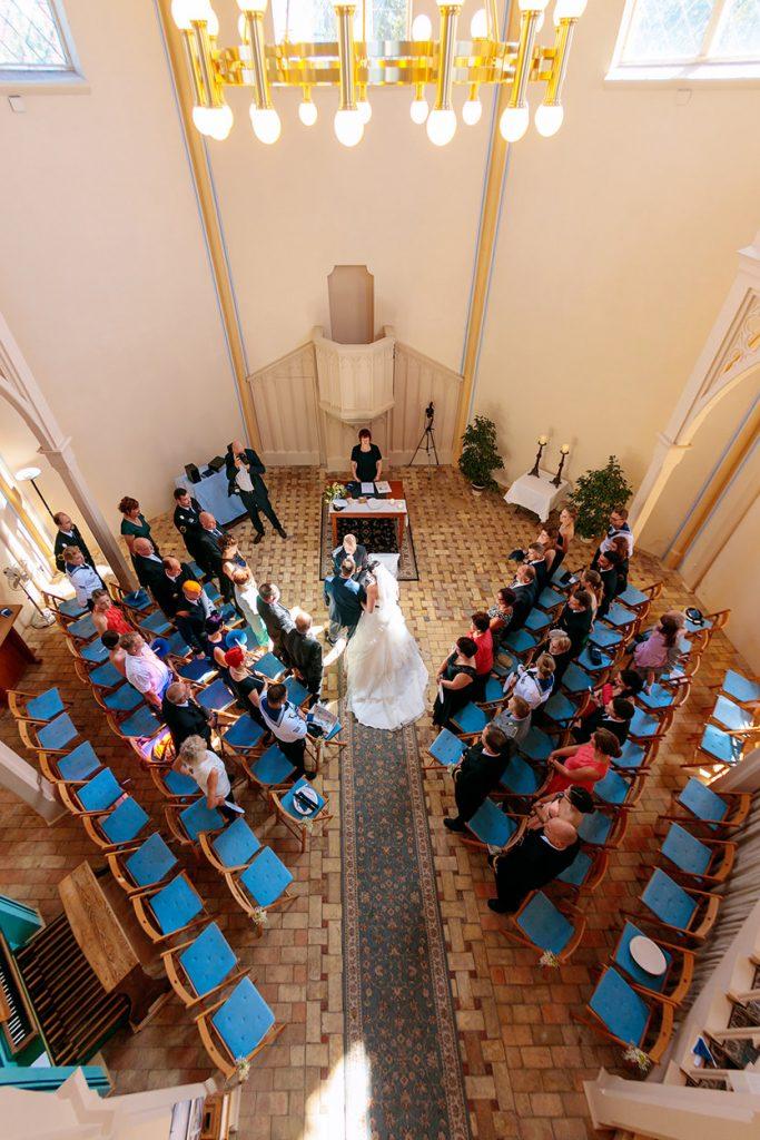 Einzug der Braut in die Alte Neuendorfer Anger Kirche