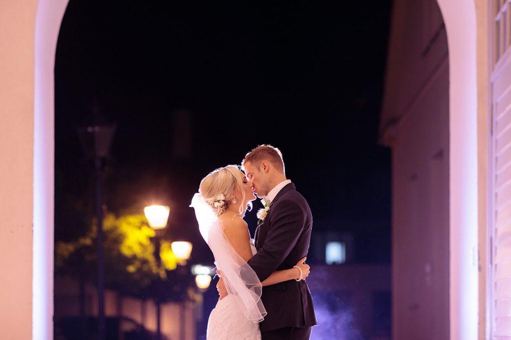 Das Brautpaar am Abend