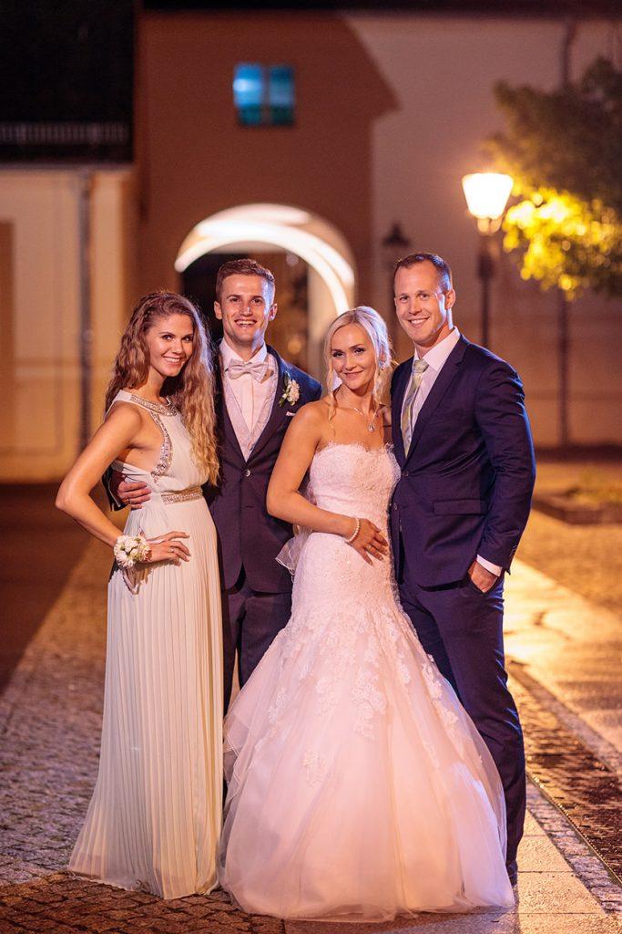 Gruppenbilder mit dem Brautpaar