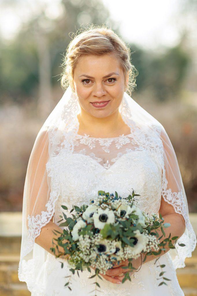 Unsere strahlende Februar-Braut im Park Sanssouci