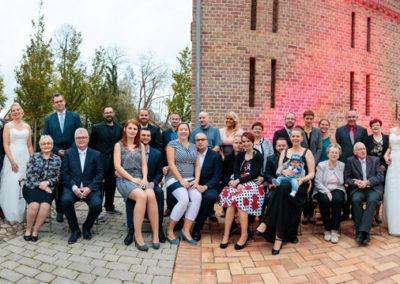 Gruppenfoto bei Hochzeiten im Oktober