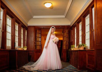 Hochzeitsfotos bei Regen im Schloss
