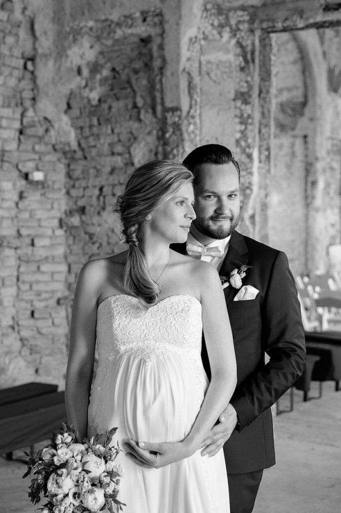 Hochzeitsfotos in der Muschelgrotte im Neuen Garten Potsdam
