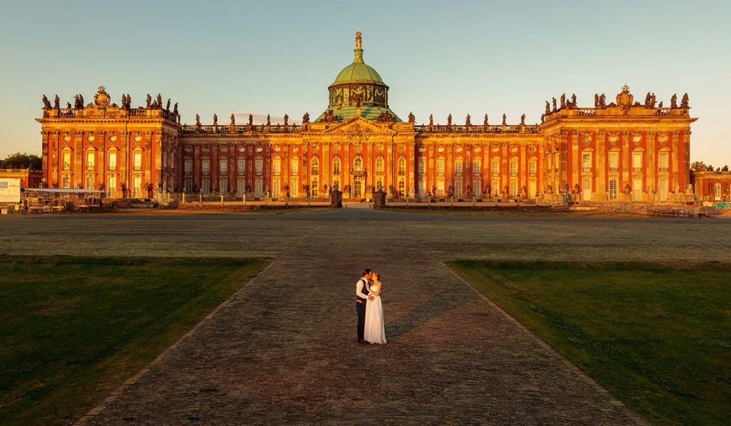 Hochzeitsfotos zum Sonnenuntergang am Neuen Palais Potsdam