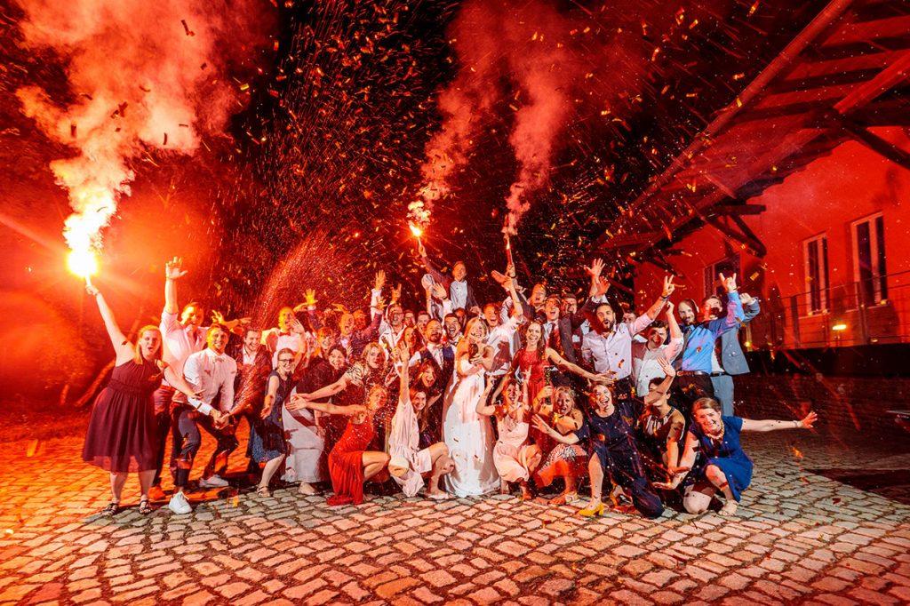 Große Partystimmung im BlauArt Tagungshaus
