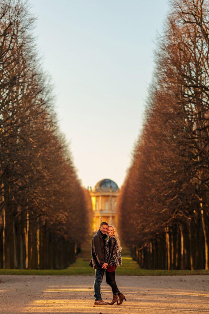 Verlobungsfotos im Park Sanssouci an der Orangerie Potsdam im Herbst