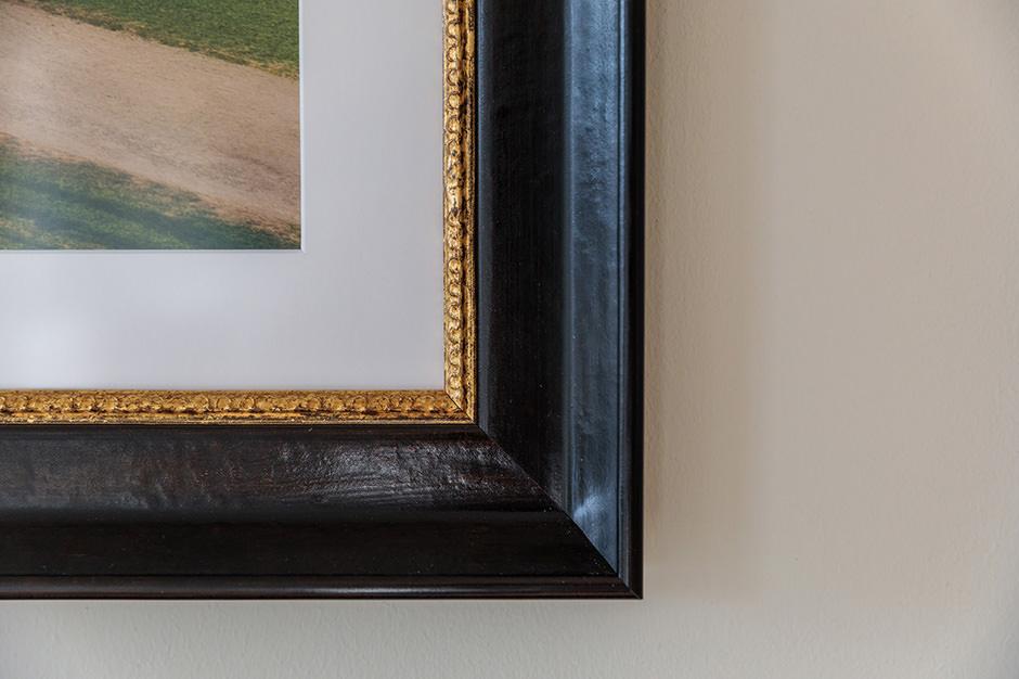 Holzrahmen in antiker Anmutung für Wandbilder