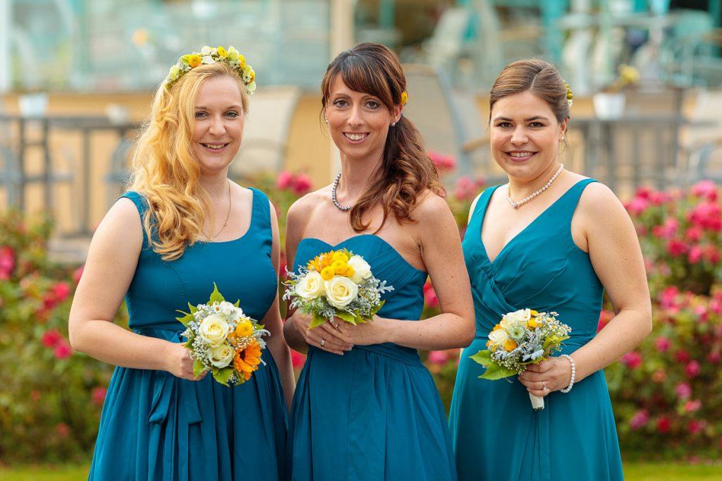Brautjungfern in Türkis Kleidern