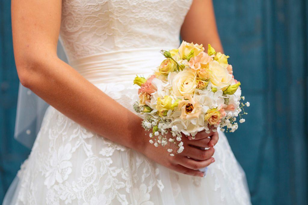 Ein Brautstrauß fotografiert auf Landgut Gühlen