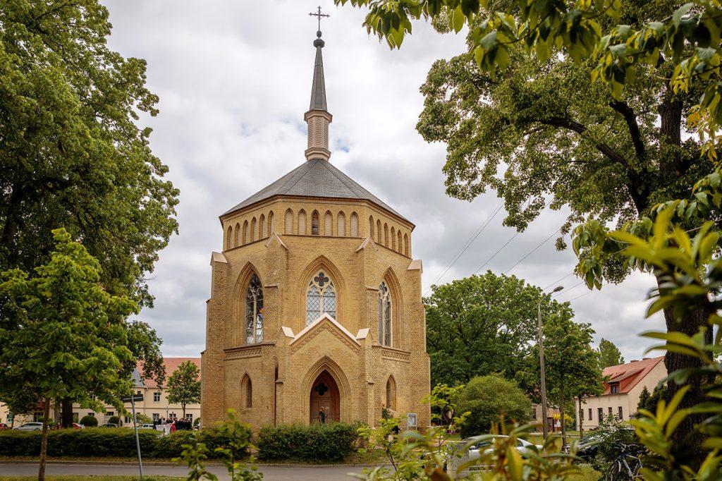 Babelsberg Kirche auf dem Neuendorfer Anger