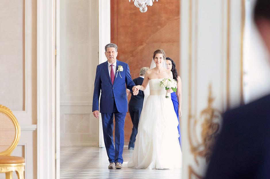 Einzug der Braut bei einer Hochzeit in den Neuen Kammern Potsdam