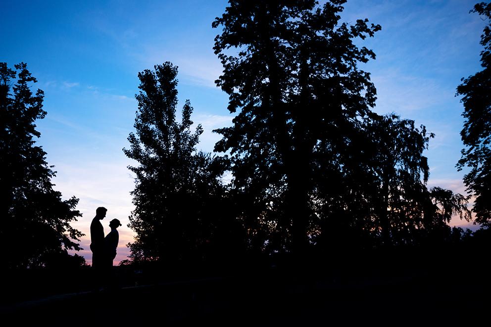 Verlobungsfotos in Potsdam am Abend