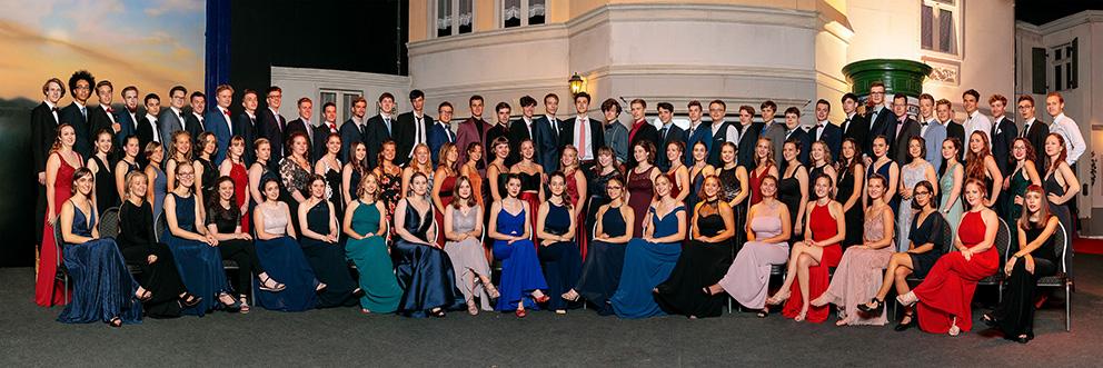 Gruppenfoto eines Abiturjahrgangs als Abifotograf aus Potsdam