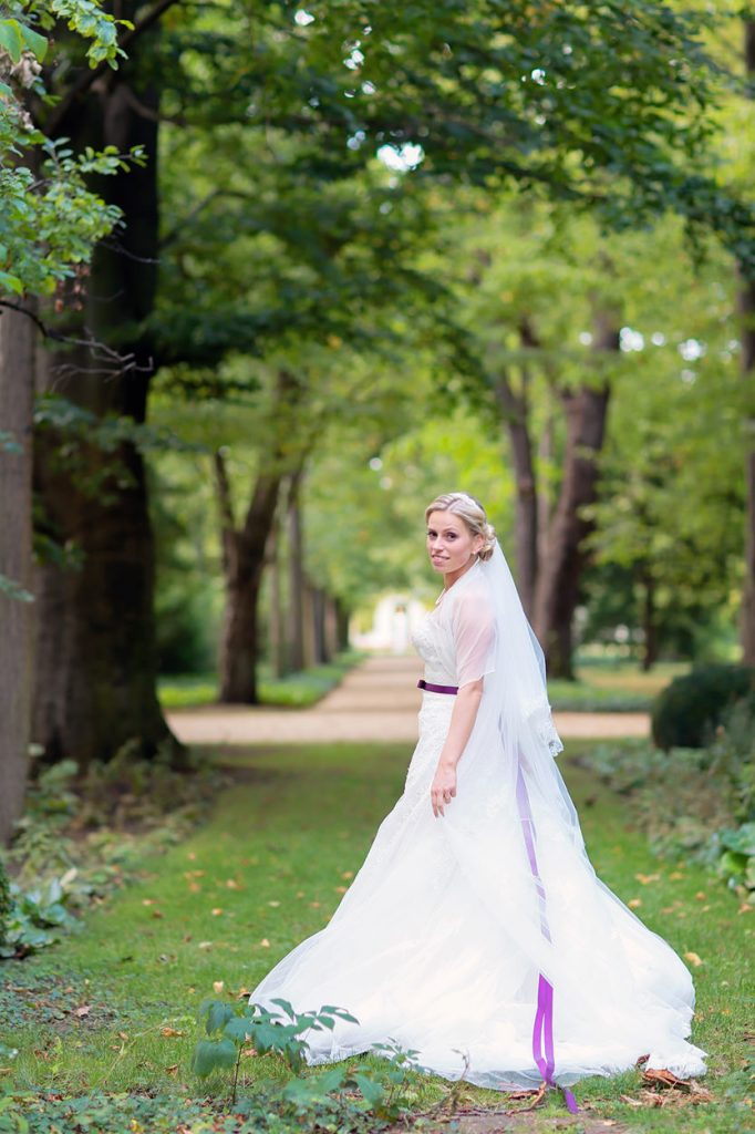 Hochzeitsfotos in Berlin Britzer Garten mit Schloss und Standesamt Neukölln