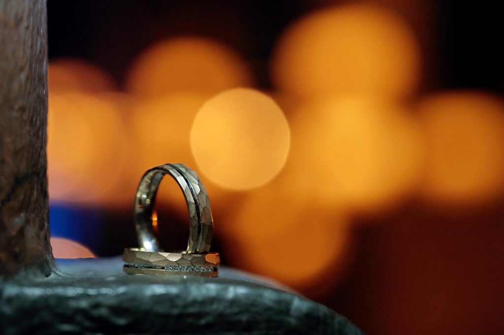 Die Eheringe dürfen natürlich nicht fehlen bei einer Hochzeitsreportage