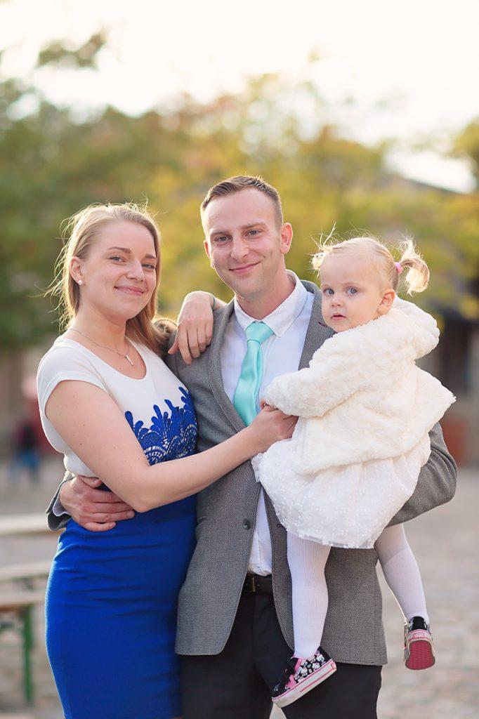 Familienfotos am Nachmittag des Hochzeitstages