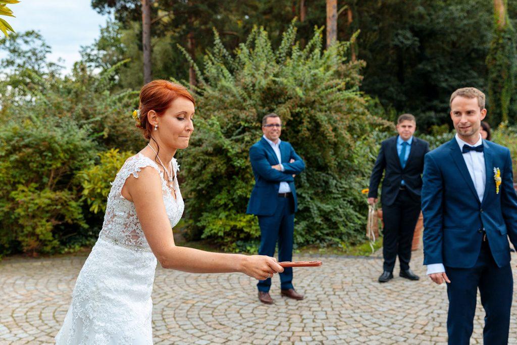 Ein australisches Spiel auf der Hochzeitsfeier