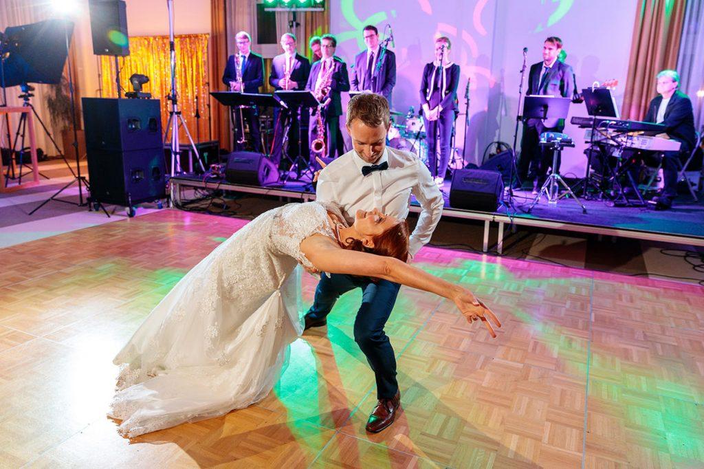 Der tolle Hochzeitstanz des Brautpaares