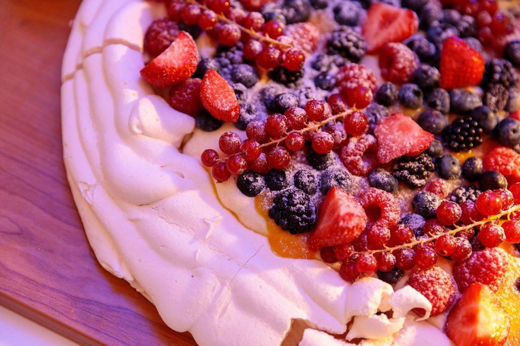Australisches Dessert namens Pavlova