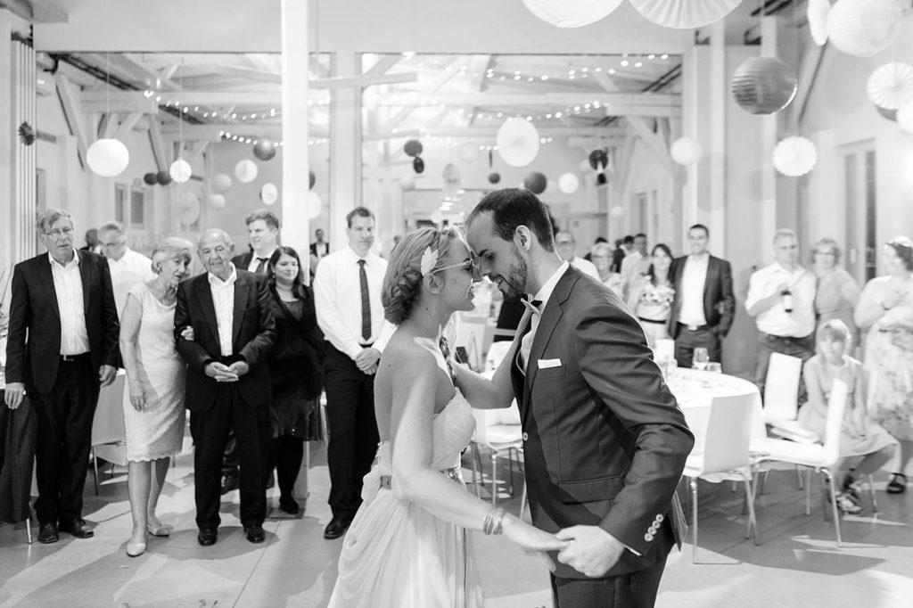 Der Hochzeitstanz des Brautpaares im BlauArt Tagungshaus Potsdam