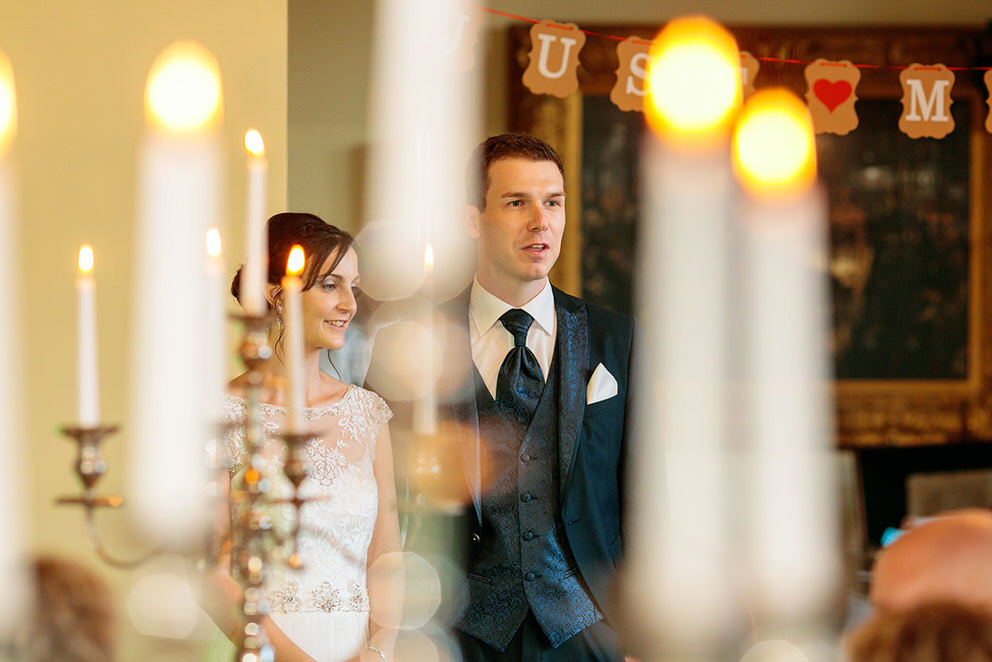 Das Brautpaar im Landgut Stober während der Hochzeitsfeier