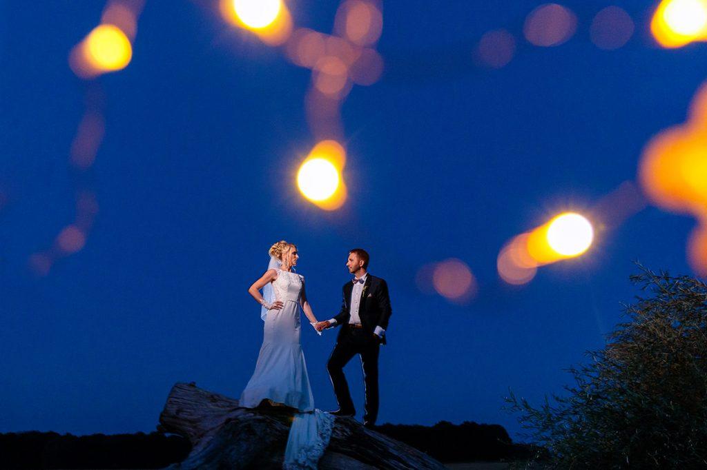 Hochzeitsfotos zur Blauen Stunde in Sachsen